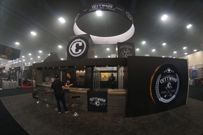 Cuttwood-40x40-Tradeshow-Booth-2