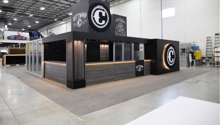 Cuttwood-40x40-Tradeshow-Booth-4