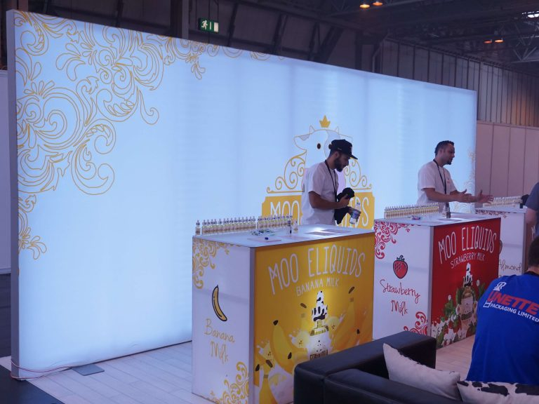 Moo-Tradeshow-booth-1