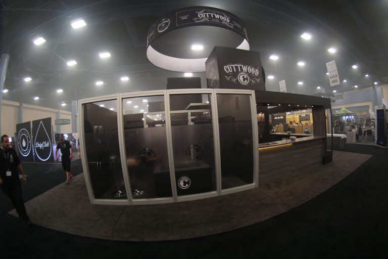 Cuttwood-40x40-Tradeshow-Booth-1